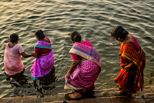 women who pray on the river